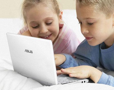 UK: RM prepara gli Asus EEE PC per i bambini