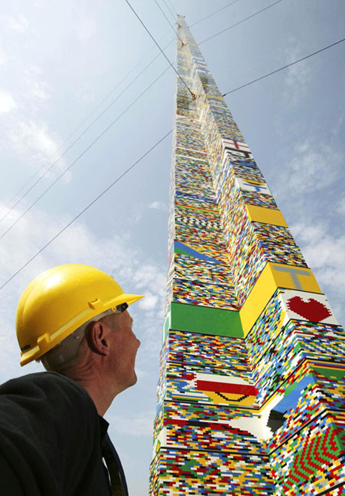 100-foot-lego-tower